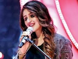 Dhvani Bhanushali gives 'Humsafar' an acoustic twist